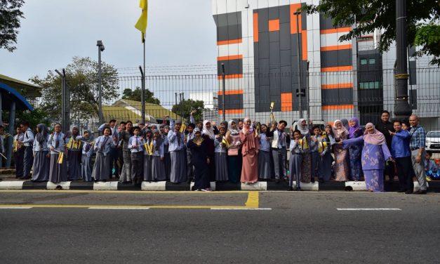 SMSS Joins HM's 72nd Birthday Celebration