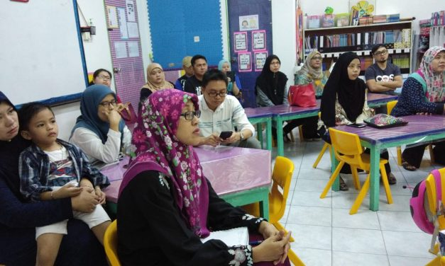 Preschool Parents attend Jolly Phonics Awareness Workshop