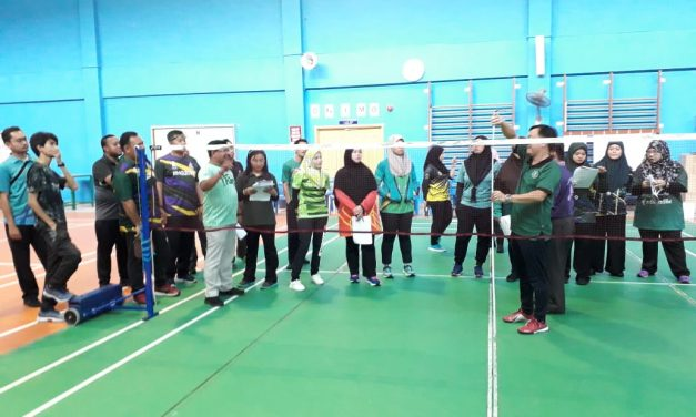 SMSS Teachers attend a Badminton Technical Official Professional Development Seminar